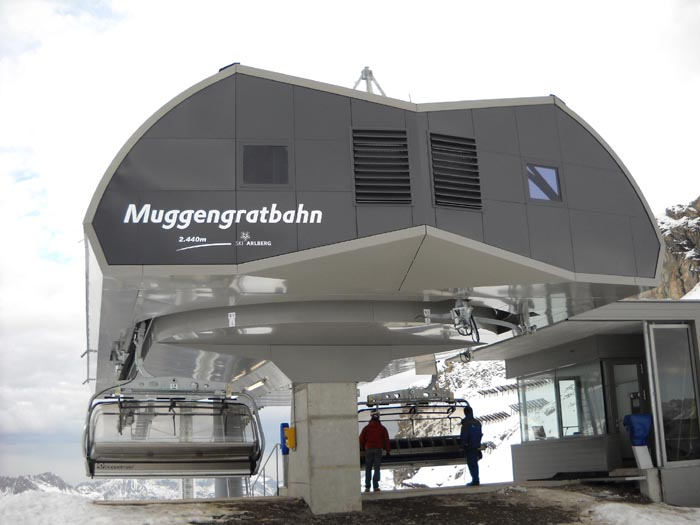 Ski_Zuers_Bergstation.jpg