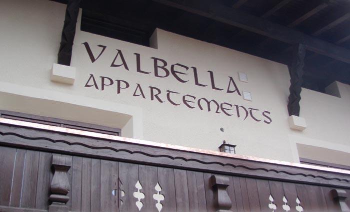Valbella_Fassade.jpg